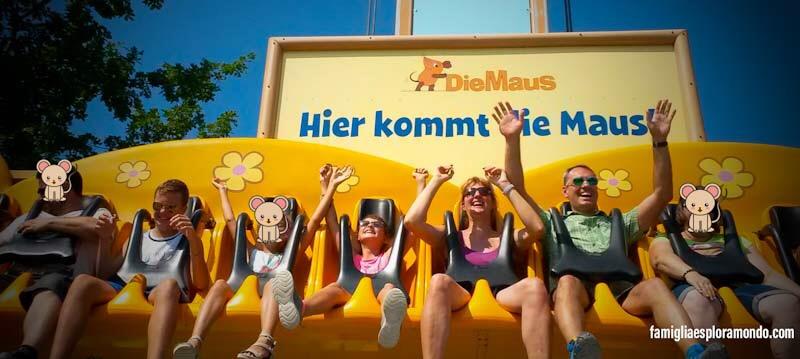 Famigliaesploramondo a Ravensburger Spieleland su una delle attrazioni del parco