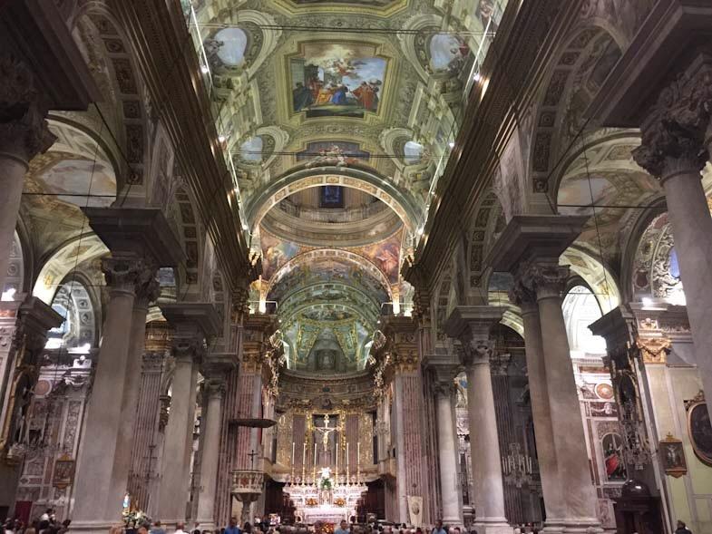 Chiesa di San Giovanni Battista a Finale LIgure, interni
