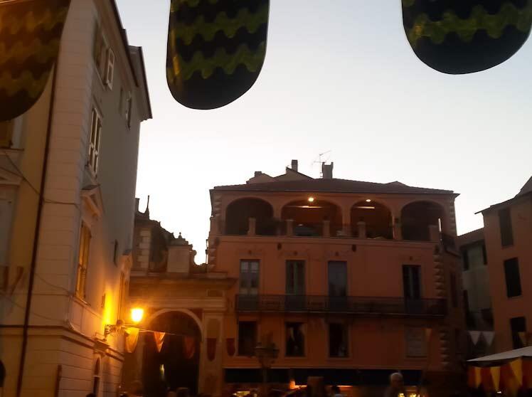 La Piazza principale di Finalborgo