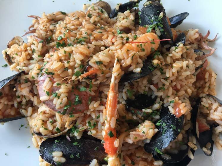 Risotto ai frutti di mare con cozze scampi e totani