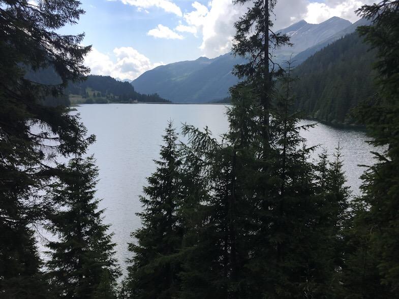 Panorama lungo il percorso 643 sul lago d'isola a San bernardino