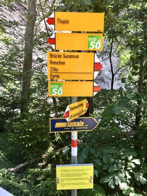 Indicazioni percorsi di trekking viamala zillis
