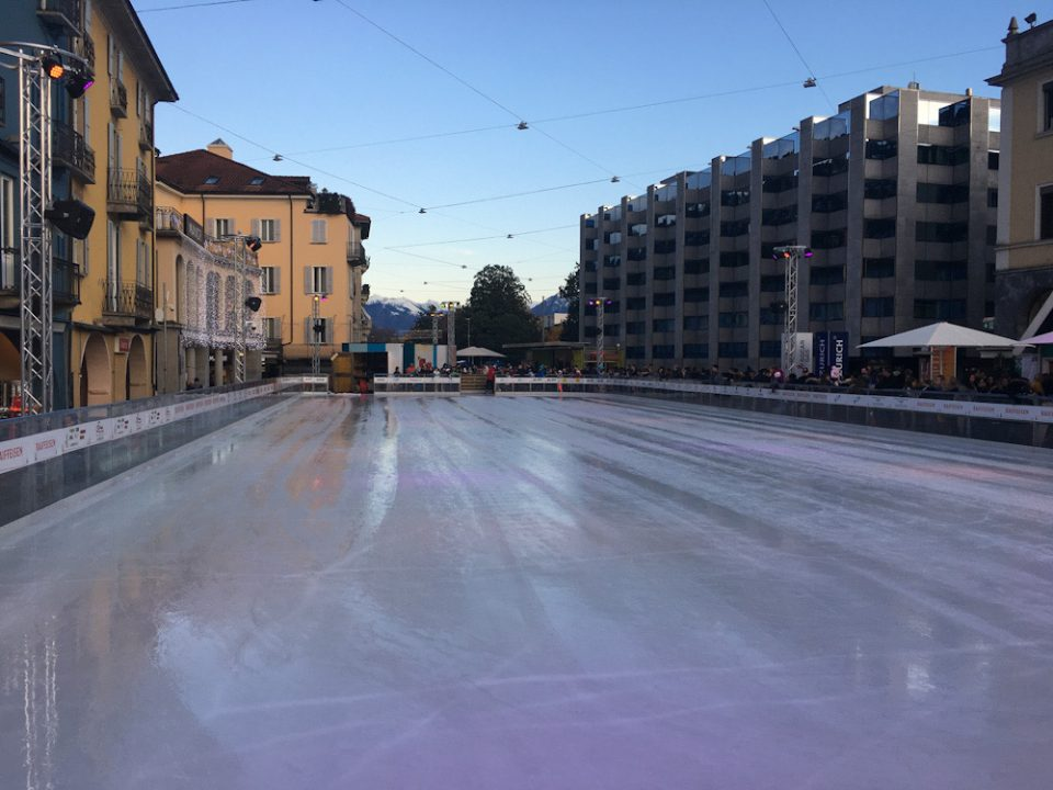 La pista di pattinaggio di Locarno On Ice è molto ampia e ben tenuta