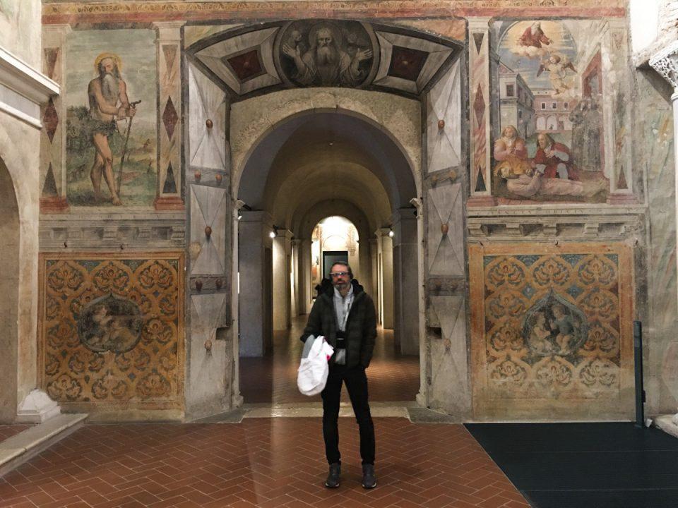 realtà aumentata al museo di santa giulia nella  basilica di san salvatore