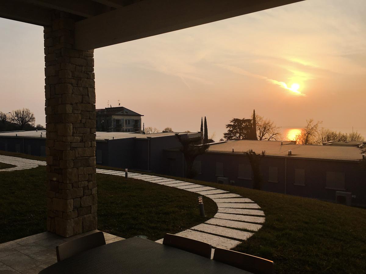 Appartamenti con panorama sul lago di Garda relais rosa dei venti