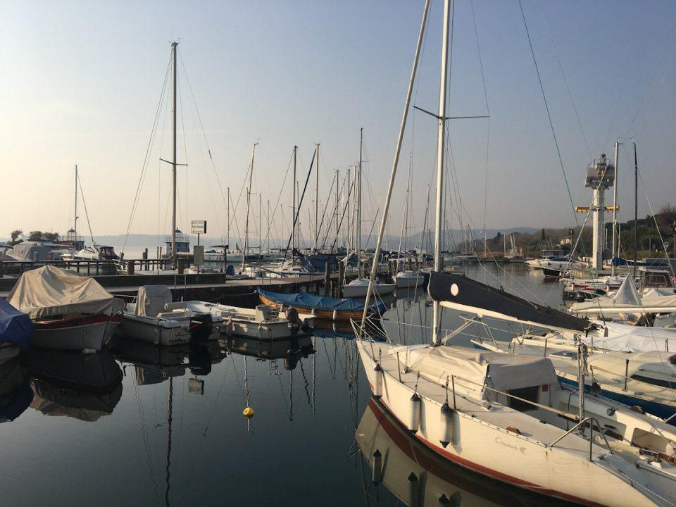 Porto di Moniga del garda sul lago di garda