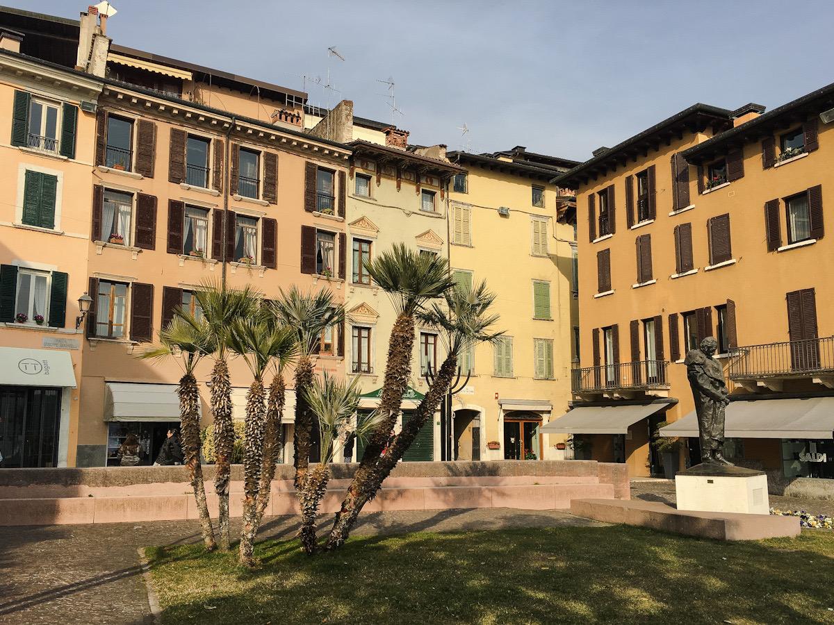 Lungolago Zanardelli a Salò sul Lago di Garda