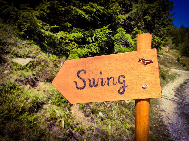 Indicazione altalene di Nara progetto Swing the World