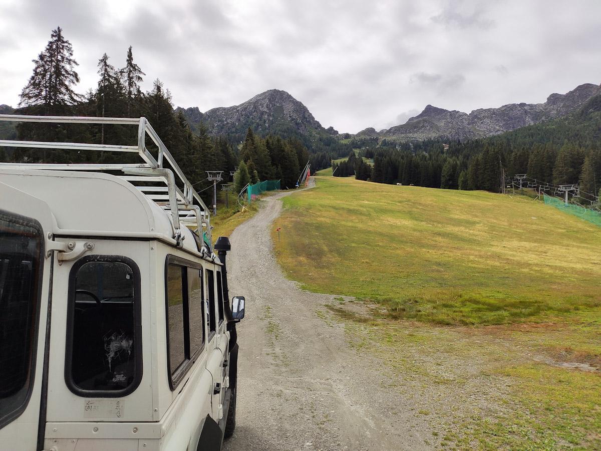 In jeep verso il Rifugio Valtellina di Aprica