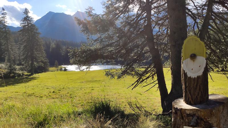 Gnomo Ariarello sul sentiero degli gnomi di San Bernardino in Svizzera