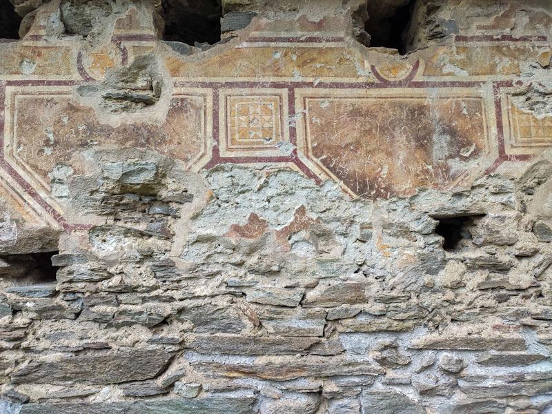 Dettagli all'interno del castello di mesocco