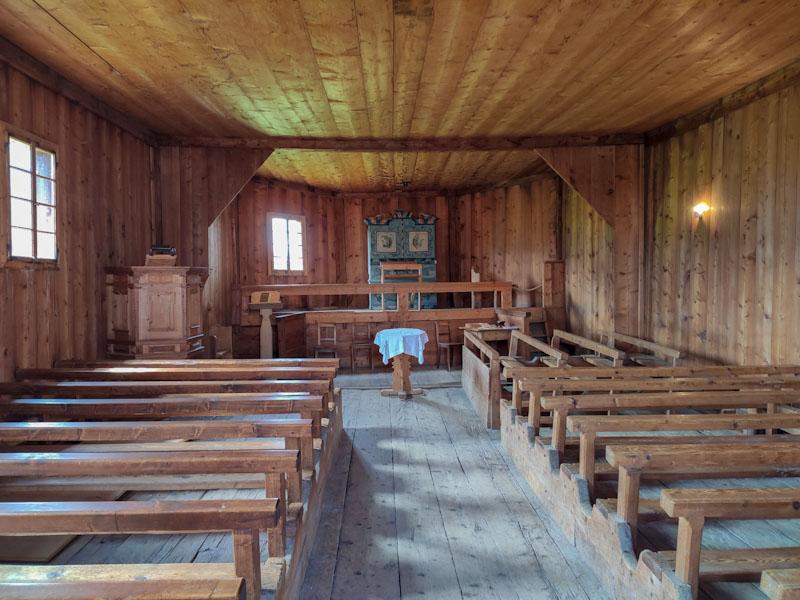 Obermutten chiesa in legno più antica della Svizzera