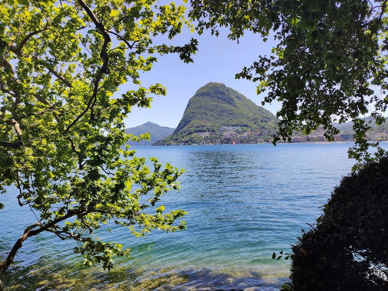 Il Monte San Salvatore dal Parco di Villa Ciani a Lugano