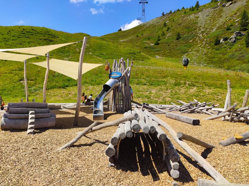 A scuola di orso parco giochi Arosa Baerenland