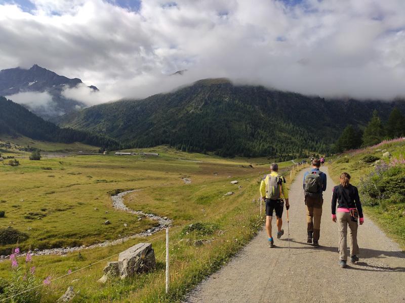 Sentiero dal Parcheggio P8 ad Alpe Vago